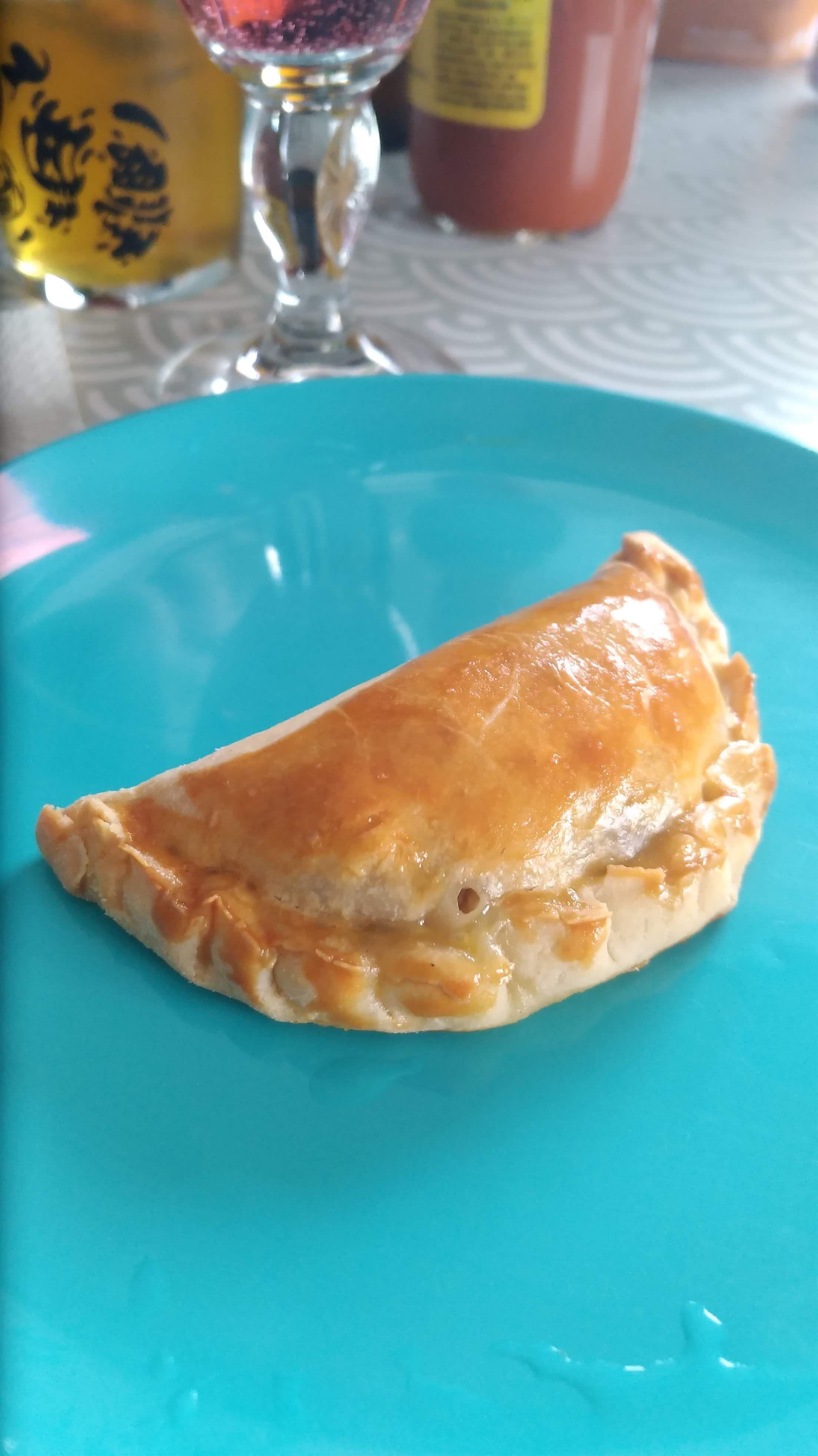 Empanada argentina de carne com cebola