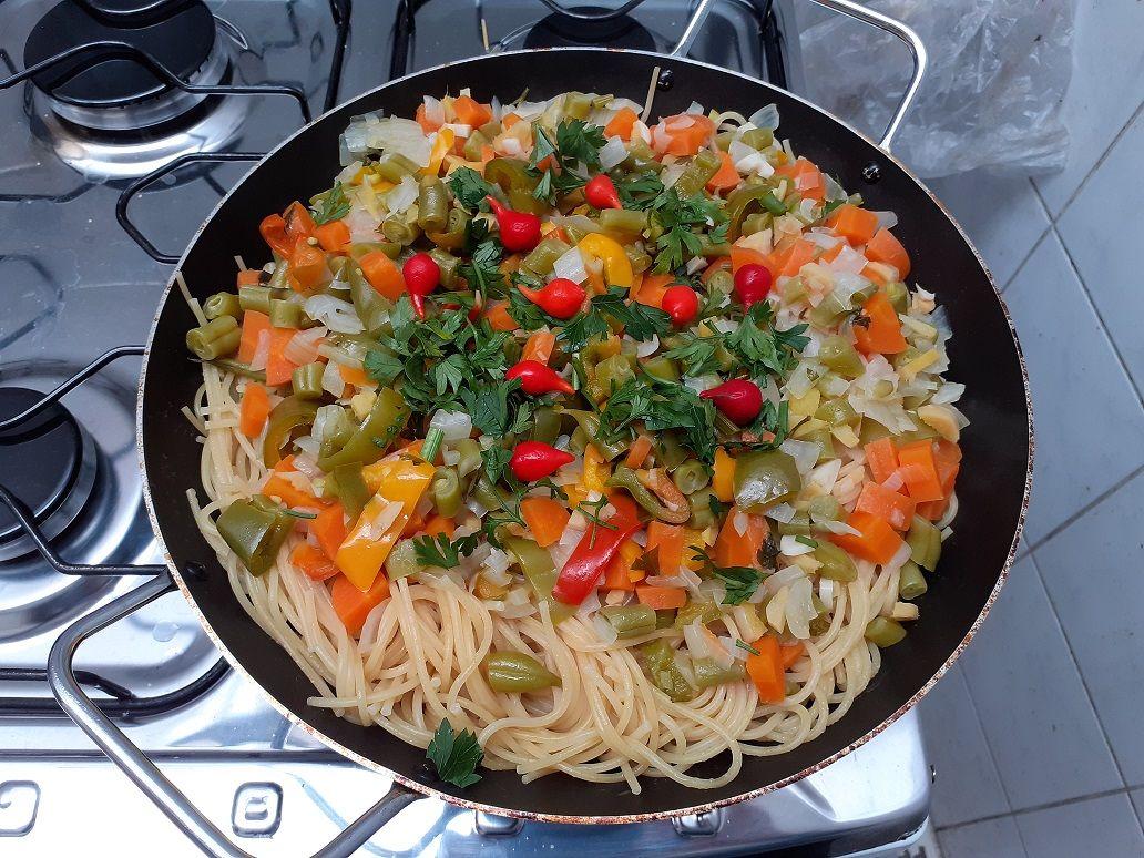 Espaguete vegetariana