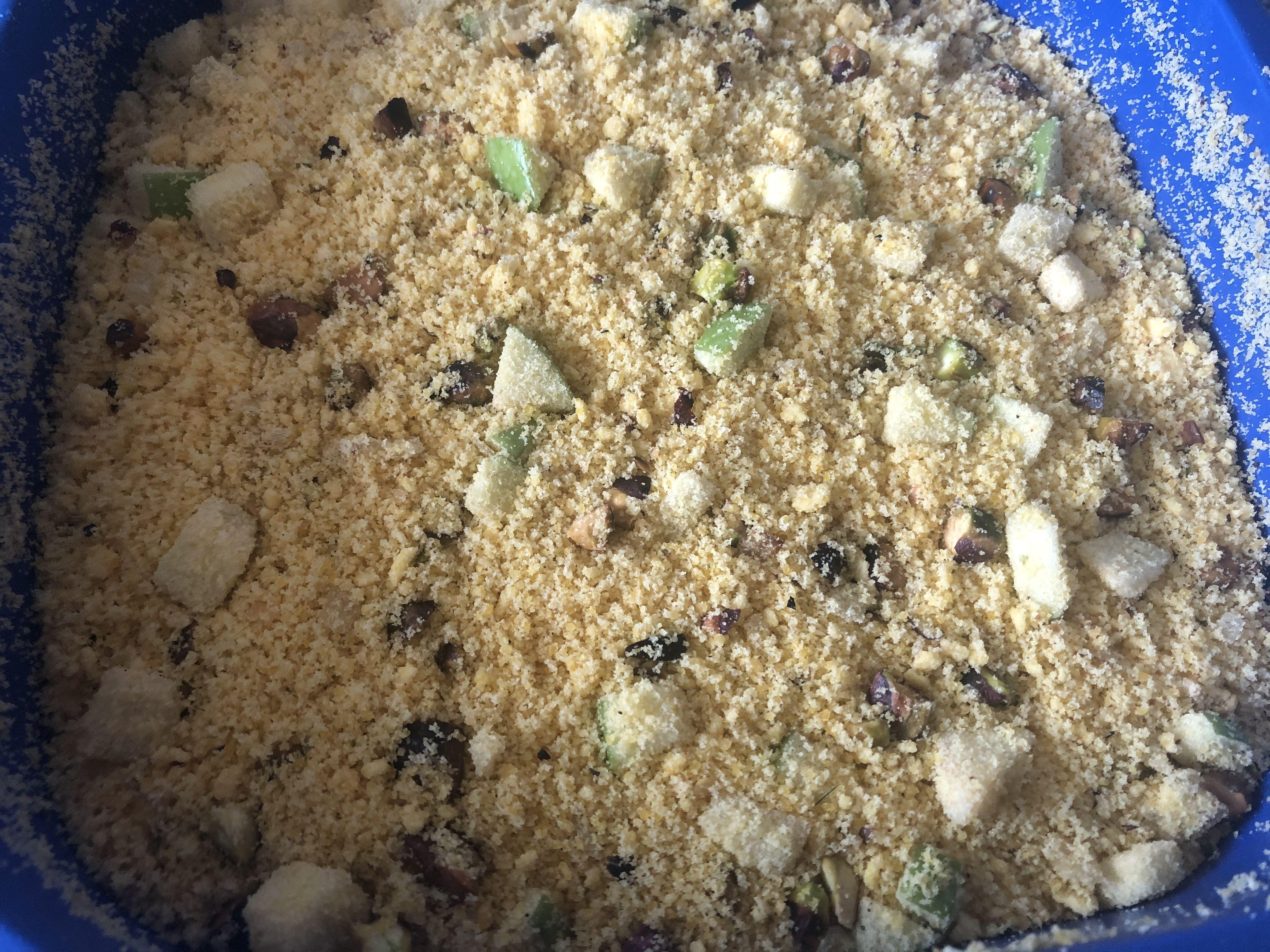 Farofa com pistache e maçã verde
