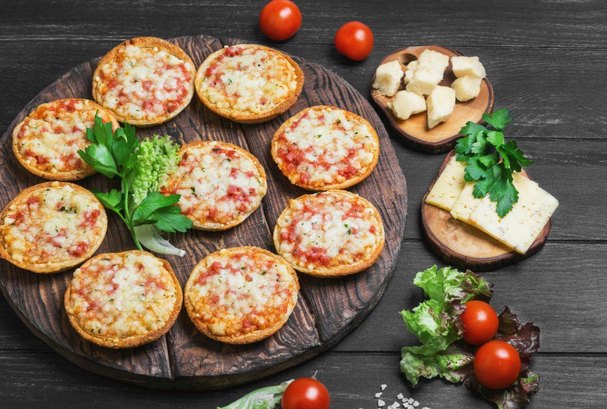 Pizzelas com queijo parmesão