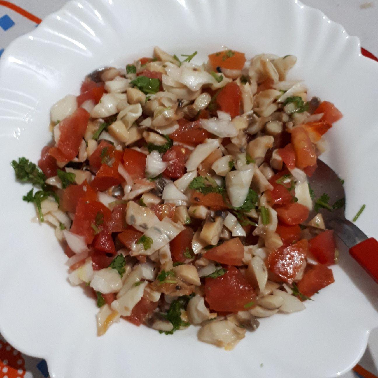 Salada de peguari com palmito