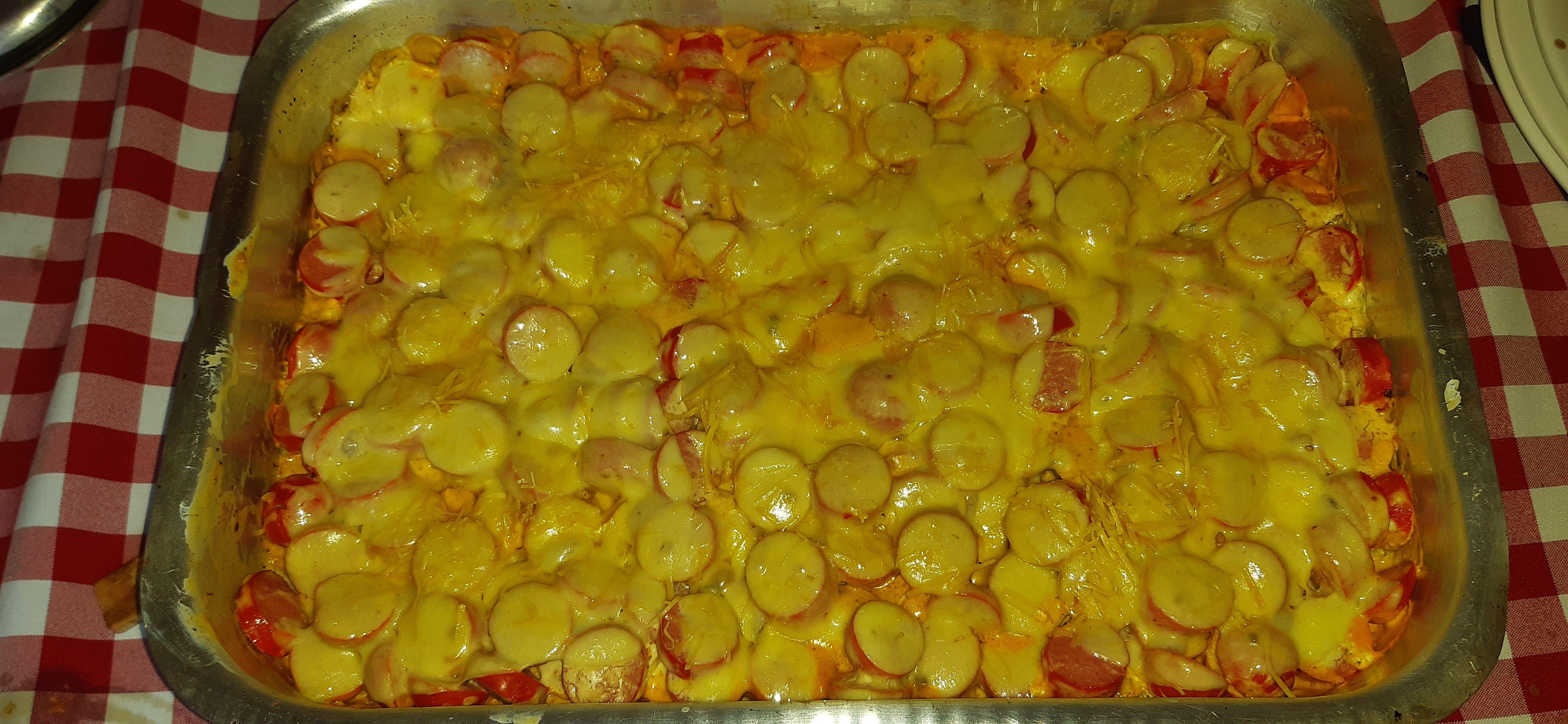 Salsicha gratinada
