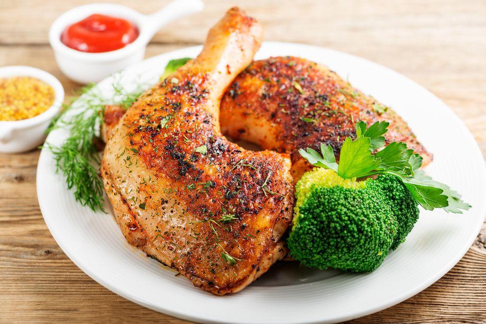 Sobrecoxa de frango assada