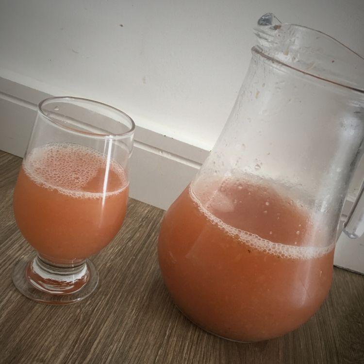 Suco de uva com morango
